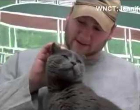 Lost cat reunited with soldier after 4 years