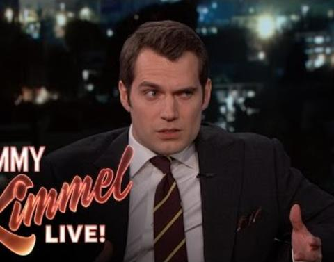 Henry cavill proves that clark kents disguise totally works