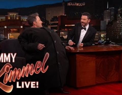 Ben affleck smuggles matt damon on to jimmy kimmel live