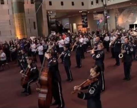 Best flash mob us air force band at the smithsonian