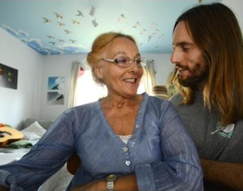 Son makes it his viral mission to help mom find love